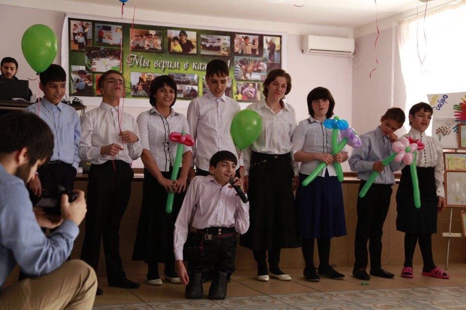 Хасбулла Гаджигишиев посетил дом интернат для умственно-отсталых  детей «Забота»