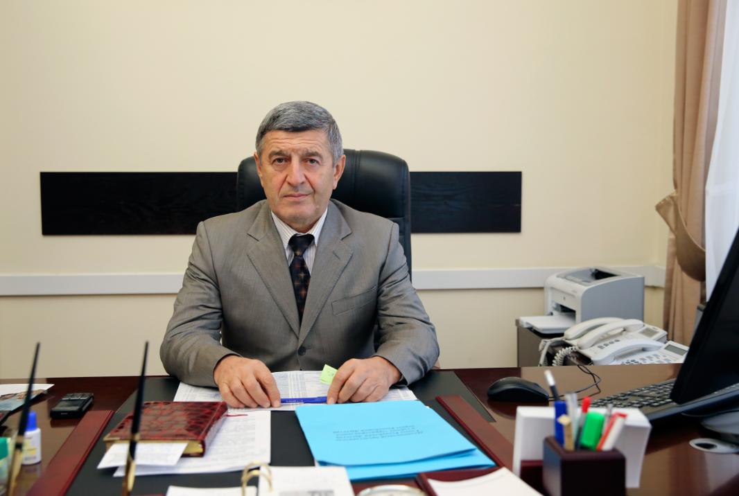 Рамазан Абдулатипов назначил нового Полномочного представителя в горном территориальном округе