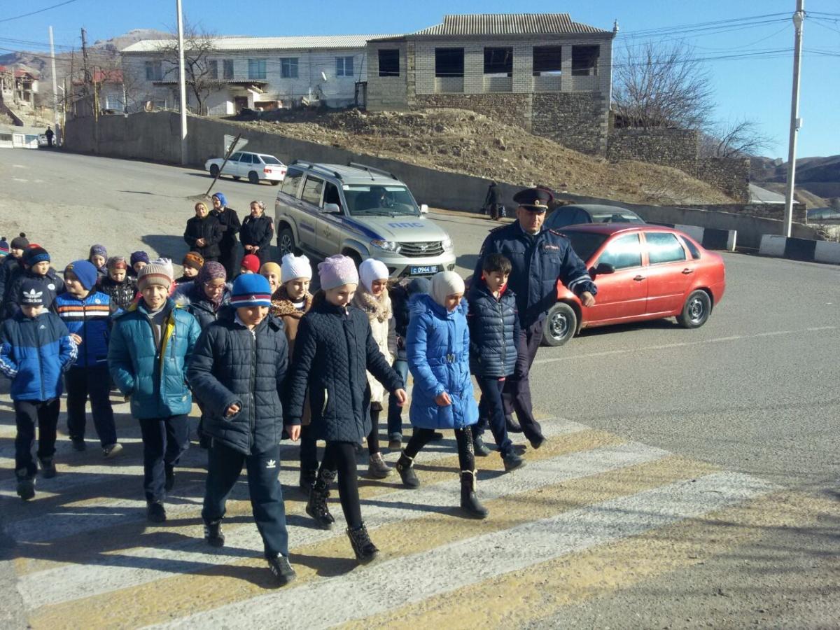 Школьникам Гергебильского района рассказали о правилах дорожного движения