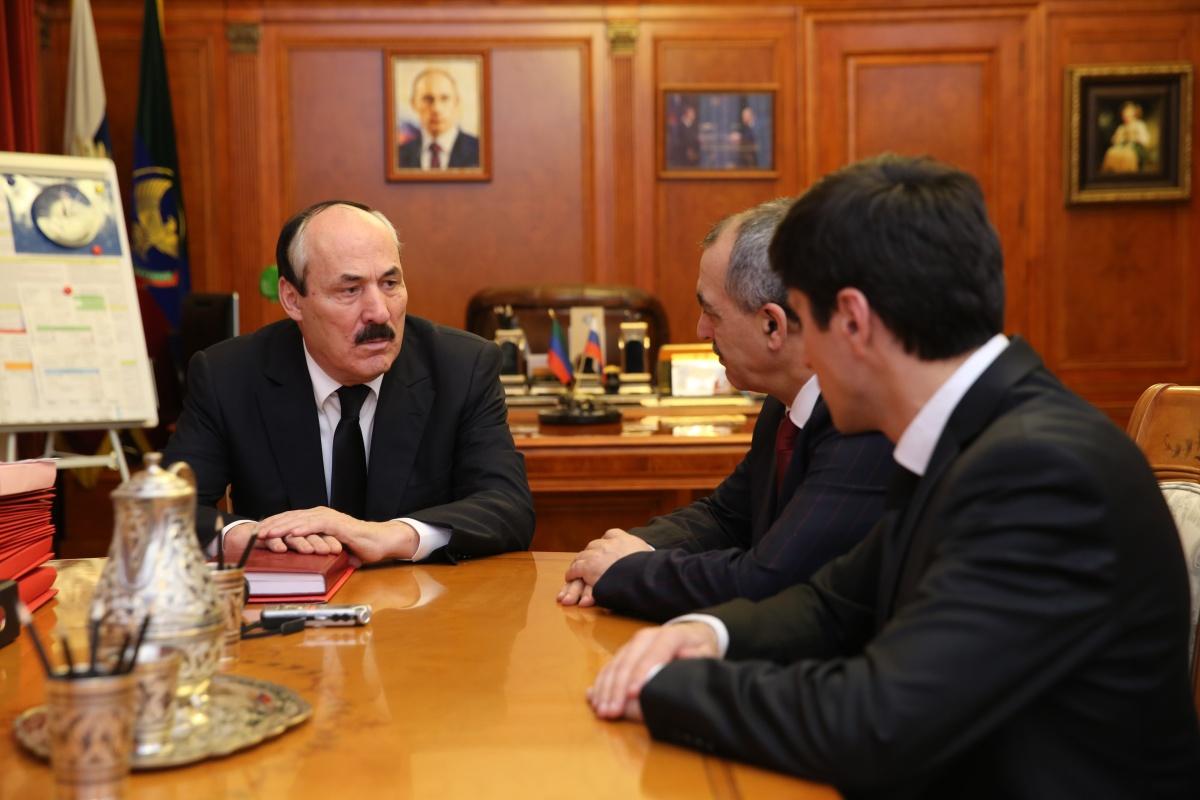 Глава республики поздравил Магомеда Дибирова с избранием на должность председателя Избиркома Дагестана
