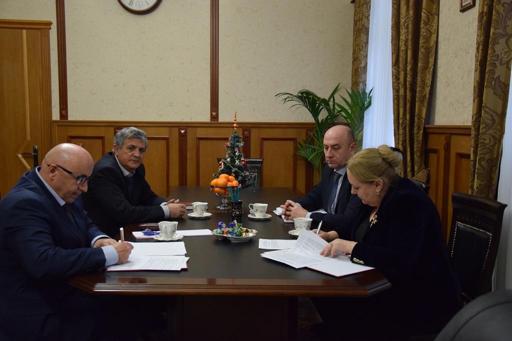 Миннац РД подписал соглашение о сотрудничестве с Управлением по вопросам миграции МВД Дагестана