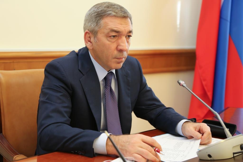 В Правительстве Дагестана обсуждены вопросы реализации мероприятий по переселению граждан из аварийного жилищного фонда
