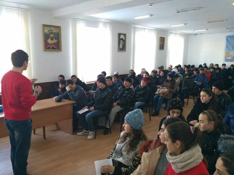 Спикер Тимур Саркаров собрал полный зал слушателей в Ахтынской районе