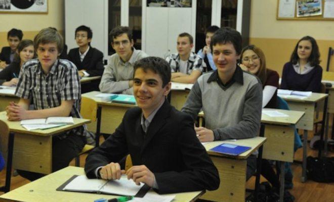 Ученики школ города Каспийск ознакомились с предпринимательской деятельностью