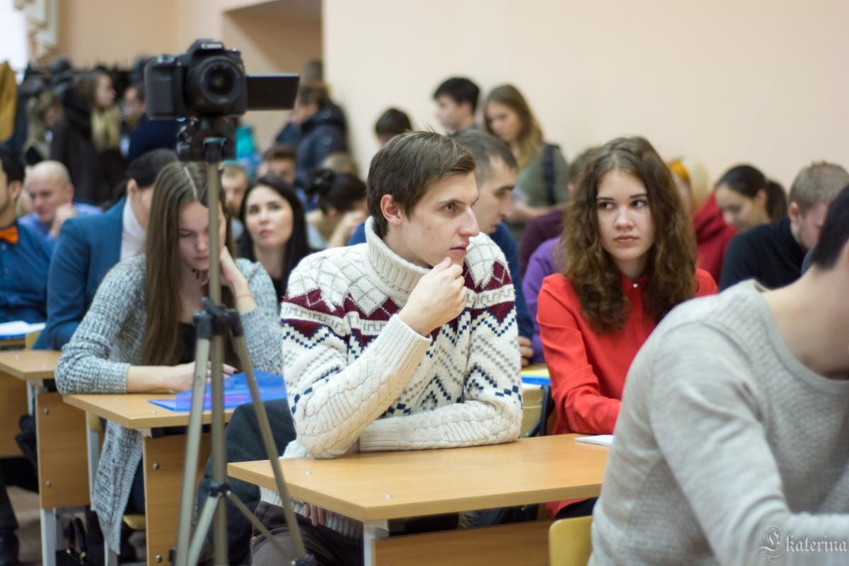 Избербашские старшеклассники стали участниками республиканской олимпиады по предпринимательству