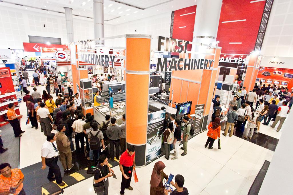 Предприниматели Махачкалы получили бесплатную выставочную площадку