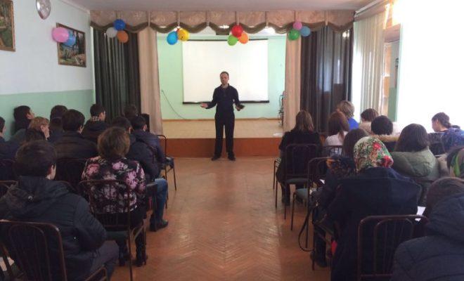 Арсен Акавов провел бизнес-тренинг для студентов Кизлярского электромеханического колледжа