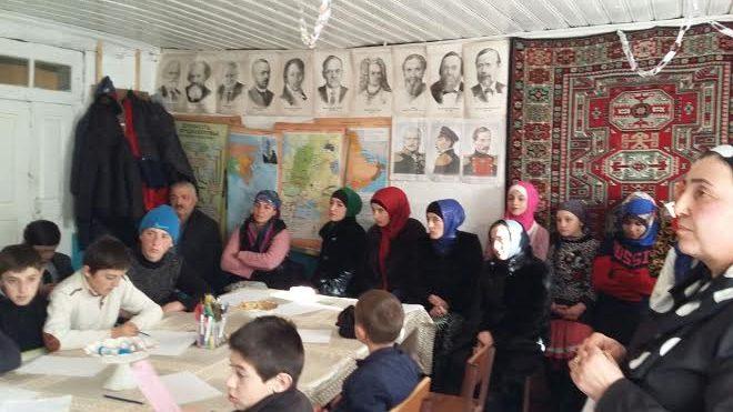 В Ахвахском районе состоялись круглые столы по развитию молодежного предпринимательства