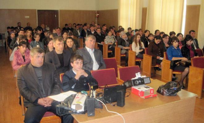 Молодежь Курахского района приняла участие в круглом столе по развитию молодежного бизнеса