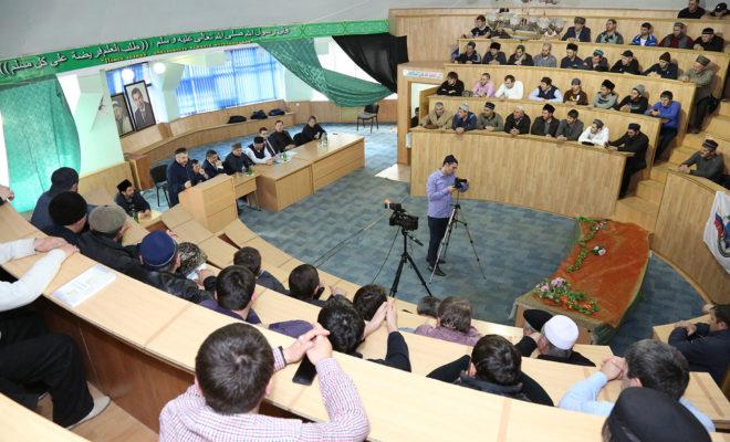 Молодые предприниматели Цунтинского района приняли участие в круглом столе «Развитие молодежного предпринимательства»