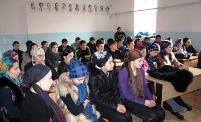 О ведении бизнеса и привлечении молодежи поговорили в ходе круглого стола в Левашинском районе