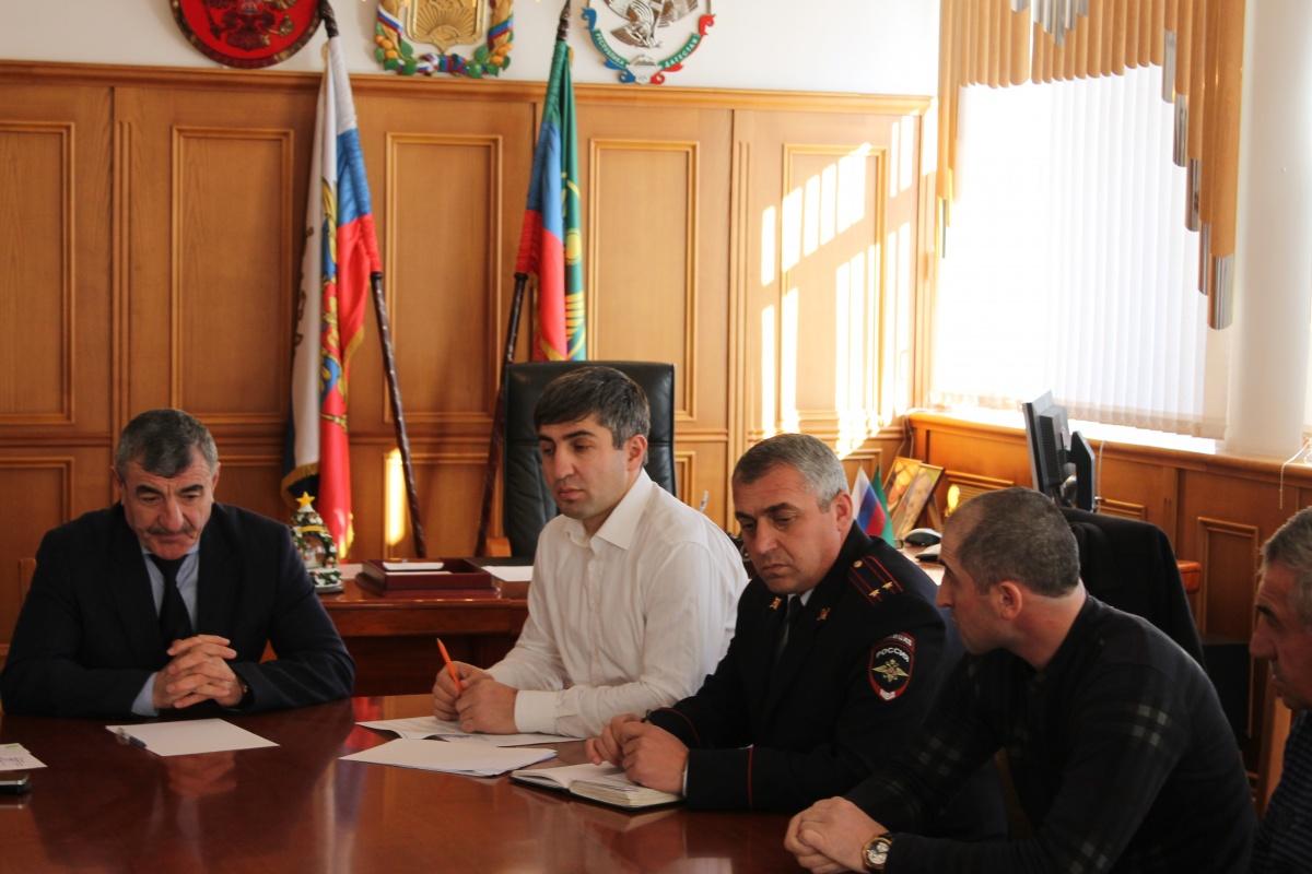 Вопросы безопасности в период новогодних праздников обсудили в Гергебильском районе