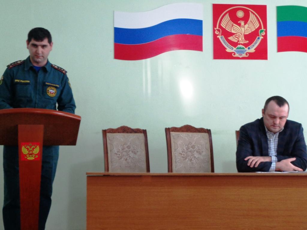 Обеспечение безопасности в период проведения новогодних праздников обсудили в администрации Дагестанских Огней