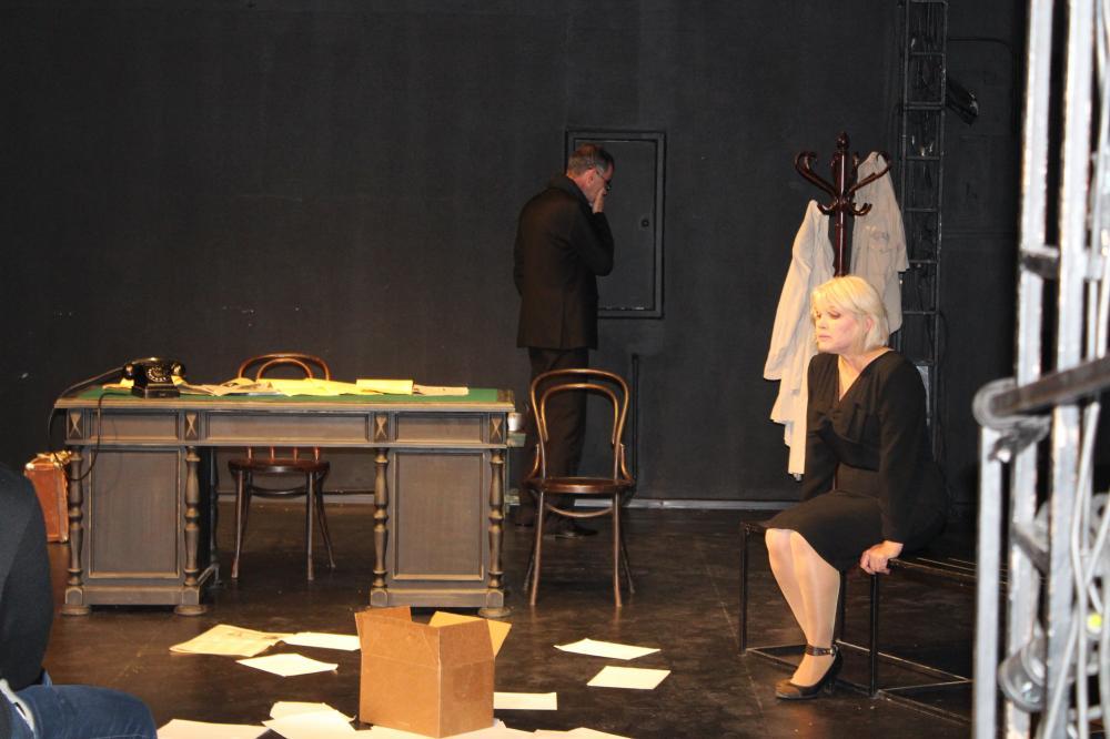 Дагестанский театр привез в Москву спектакль «Жизнь упала, как зарница»