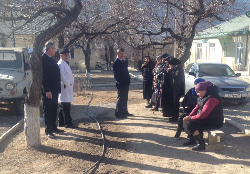 Глава Гергебильского района рабочим визитом посетил центральную районную больницу