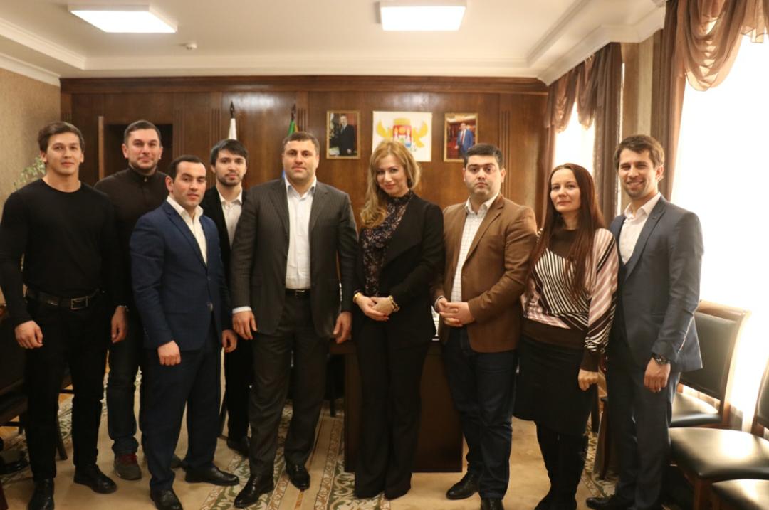 Салих Сагидов наградил журналистов ко Дню российской печати
