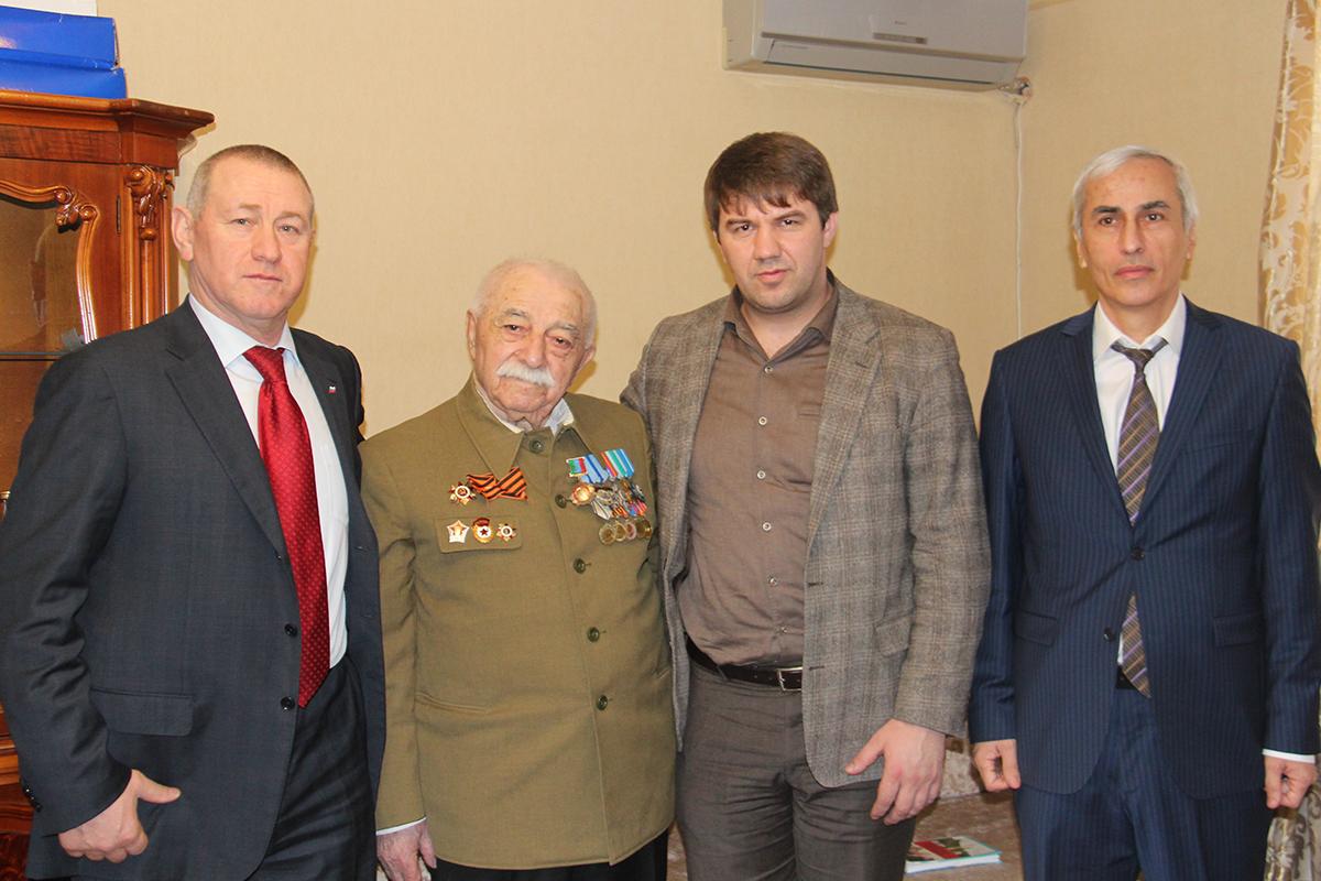 Расул Ибрагимов поздравил ветеранов боевых действий с Днем защитника Отечества