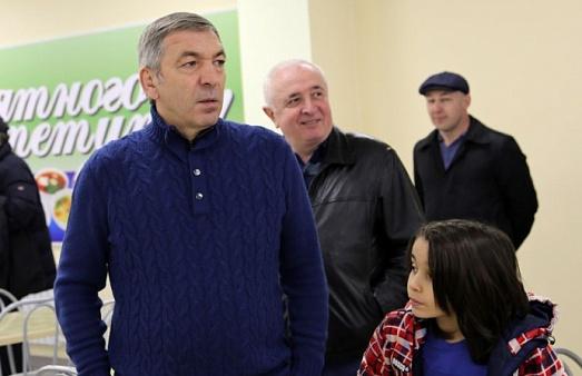 Абдусамад Гамидов проинспектировал ход подготовки к сдаче новой школы в Каспийске