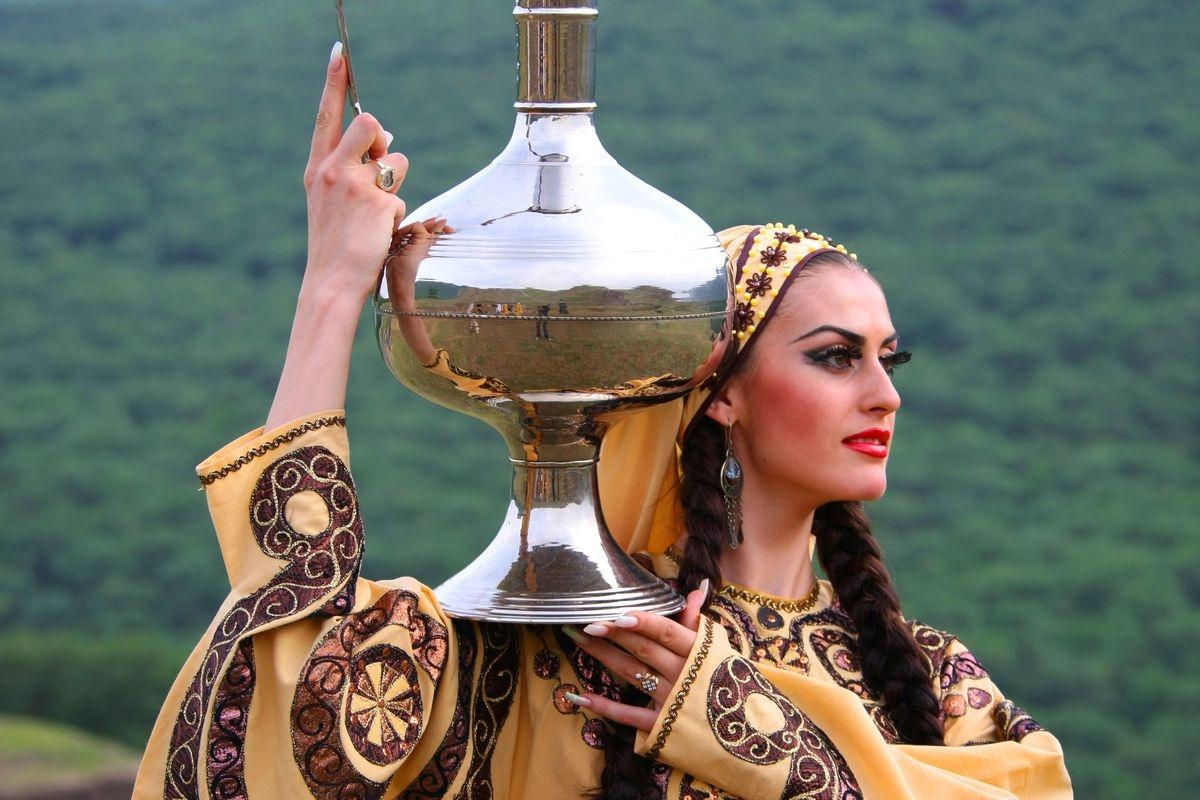 Без интернета и телефона: Девушкам Дагестана предложили пройти испытания