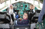 В Махачкале за штурвал самолета Ту-154 посадили школьников