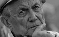 Глава Дагестана назвал легендой поэзии Евгения Евтушенко