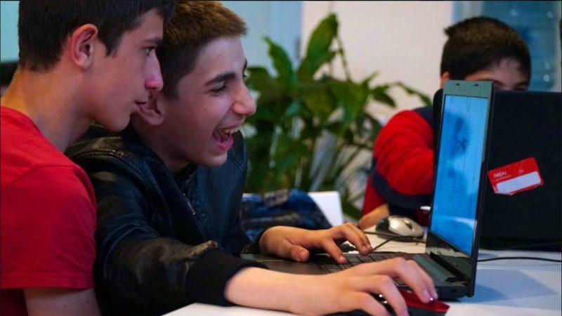 В Махачкале прошел хакатон для юных разработчиков