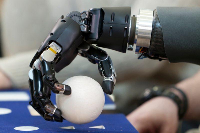 В Дагестане впервые установили детский протез руки, распечатанный на 3D-принтере