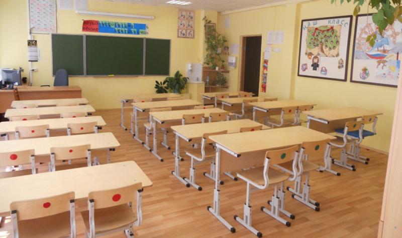 В Дагестане в сельской школе физик преподает русский язык, лесник – географию, инженер – историю