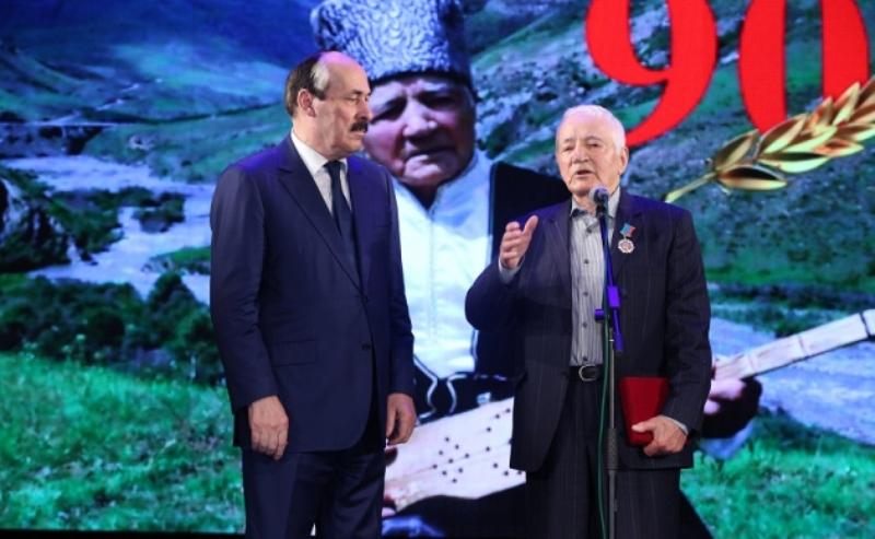 Абдулатипов наградил Шагава Абдурахманова орденом «За заслуги перед Республикой Дагестан»