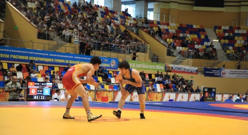 Спортсмены из 14 стран примут участие в турнире по вольной борьбе им. Али Алиева