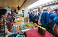 Абдулатипов проинспектировал Хасавюртовский универсальный рынок