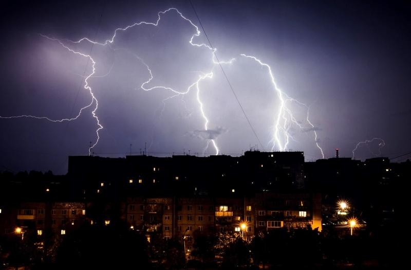 Град и сильные дожди надвигаются на Дагестан