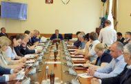 Премьер-министр Дагестана поручил своевременно обеспечить жильем детей-сирот