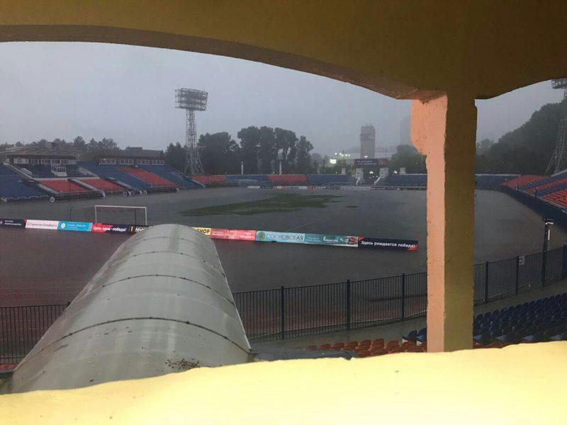 Стадион в Хабаровске оказался затоплен накануне игры «Анжи»