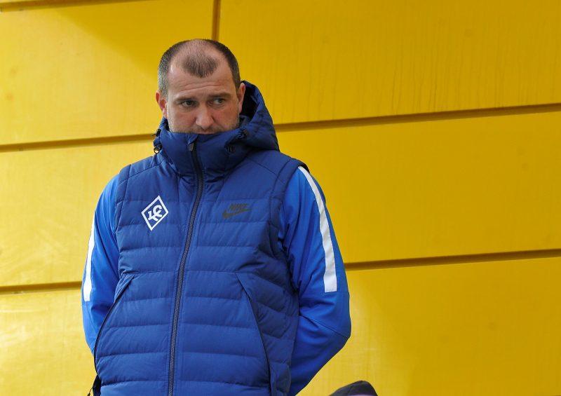 Главным тренером