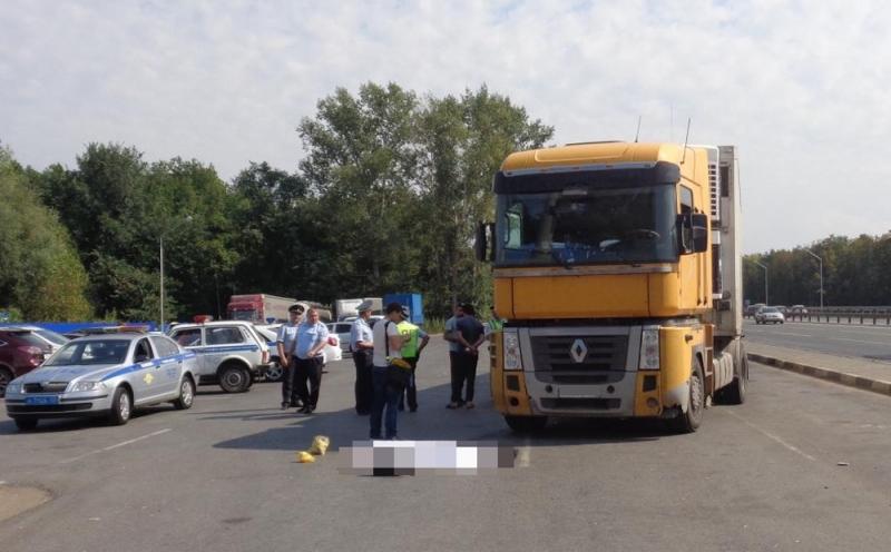 Дагестанский дальнобойщик насмерть сбил пешехода в Башкирии