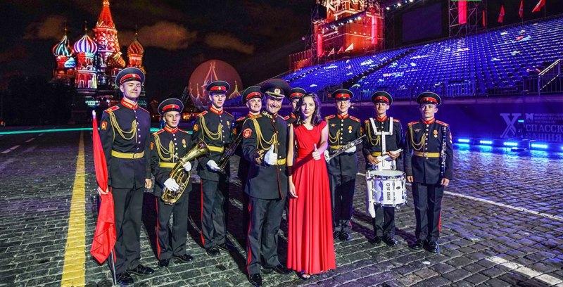 Карина Исамилова спела на международном фестивале «Спасская башня»