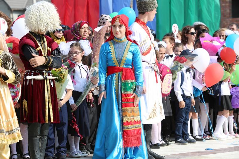 Абдусамад Гамидов открыл новую школу столичном микрорайоне