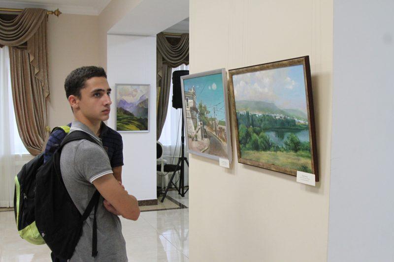 Старая Махачкала глазами молодых художников. Новая выставка в Театре поэзии