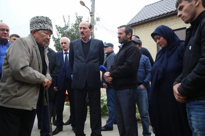 Родителям Рашида Салахбекова вручили орден республики Тыва
