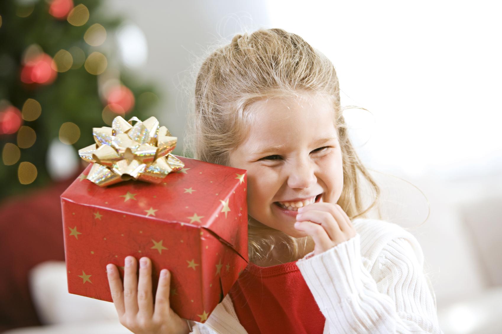 В чем встречать Новый год, что подарить и подать к столу
