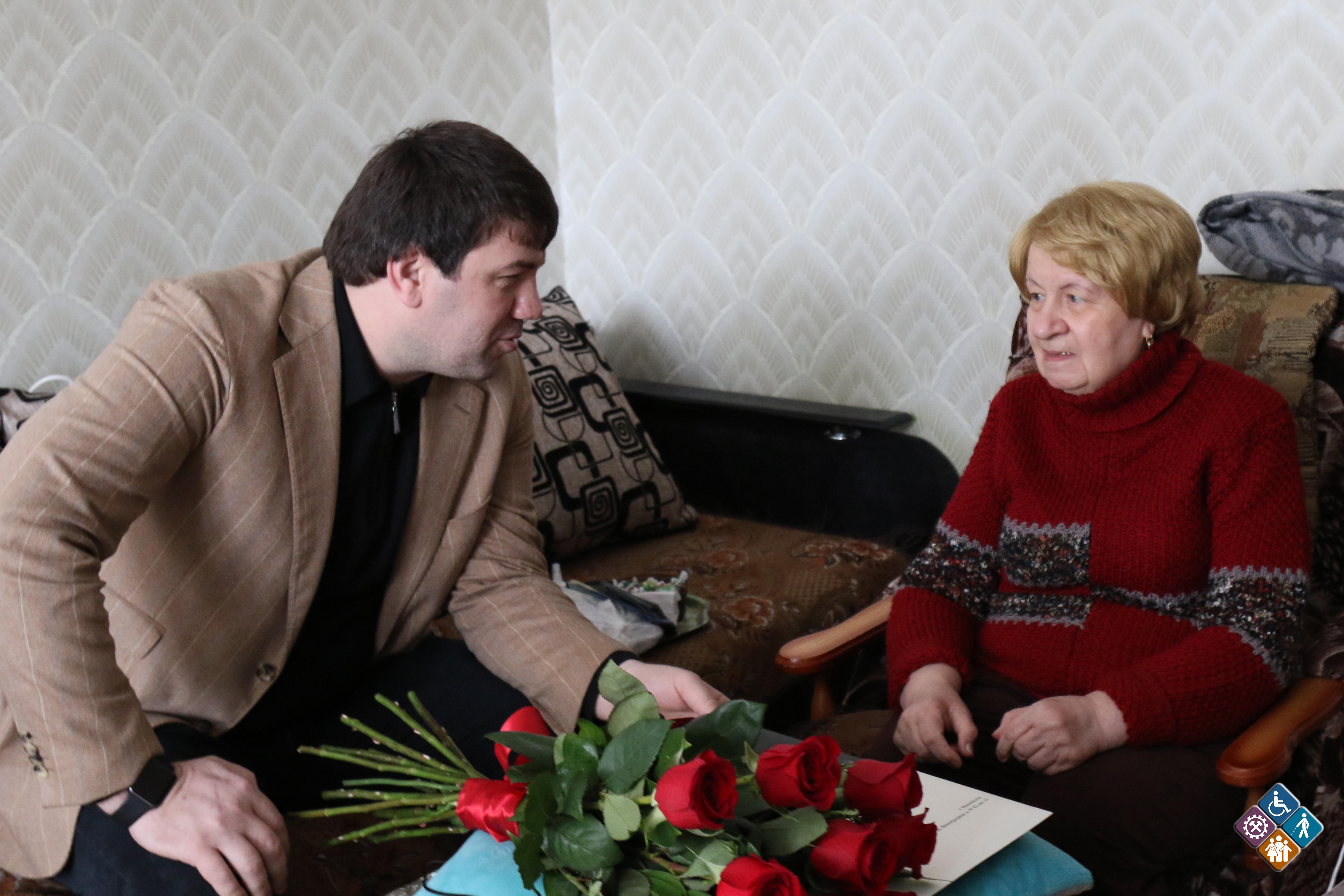 Блокадницы Ленинграда получили поздравления от властей Дагестана