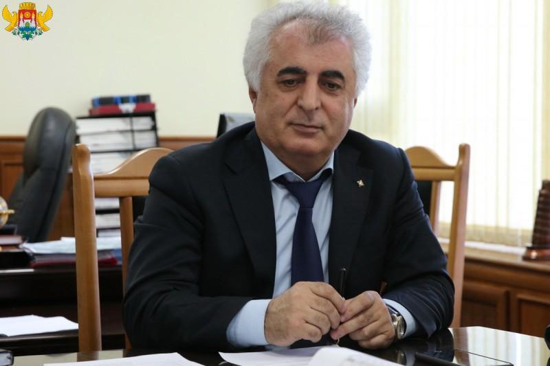 Дело экс-архитектора Махачкалы Гитинова направлено в суд