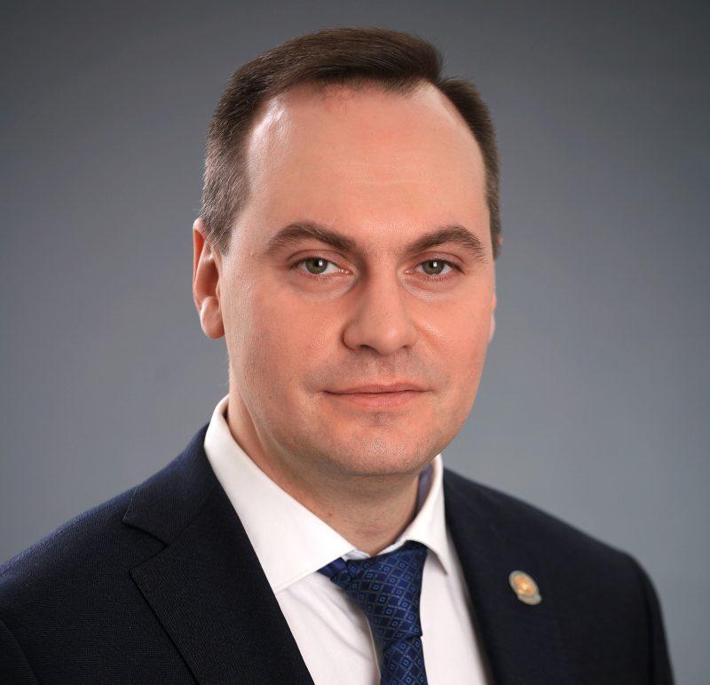 Артем Здунов назначен премьером республики. Подробная биография