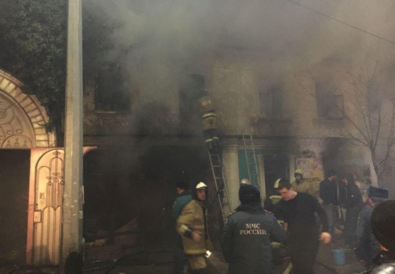 В Махачкале сгорел двухэтажный дом
