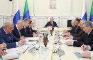 Владимир Васильев призвал чиновников не жаловаться на прессу