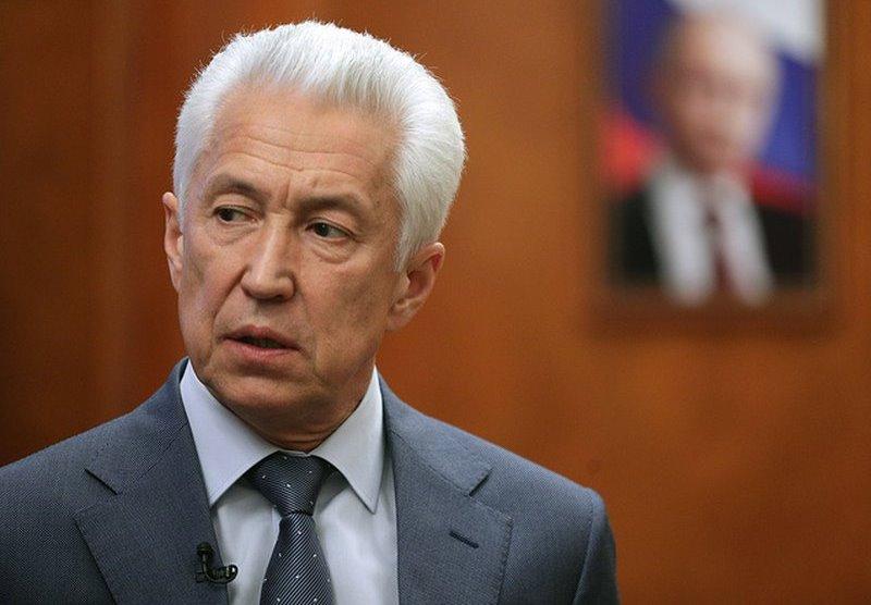 Владимир Васильев поздравил Хабиба Нурмагомедова