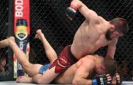 Хабиб Нурмагомедов завоевал пояс чемпиона UFC