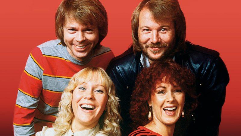 Участники ABBA собрались вместе на пару песен