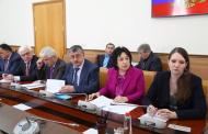 Артем Здунов поручил ускорить ввод в эксплуатацию новых школ